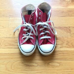 Converse All Star high tops size 2.5 youth